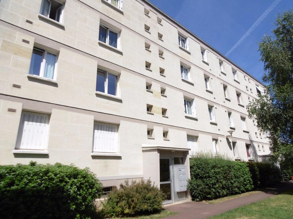 Immobilier vitry sur seine villejuif chevilly larue for Piscine thiais