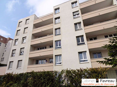 L'HAY LES ROSES-4 PIECES- BALCONS-ASCENSEUR
